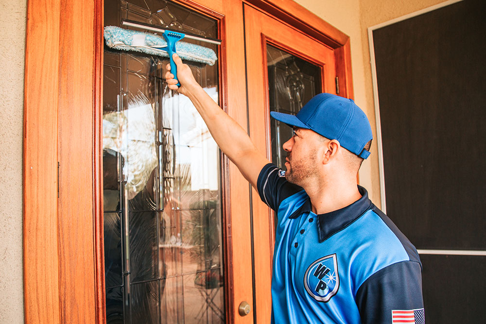 commercial-window-cleaning-cavecreek